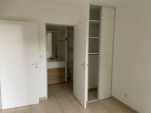 Appartement à louer 2 34.6m2 à Saint-Chamas vignette-7