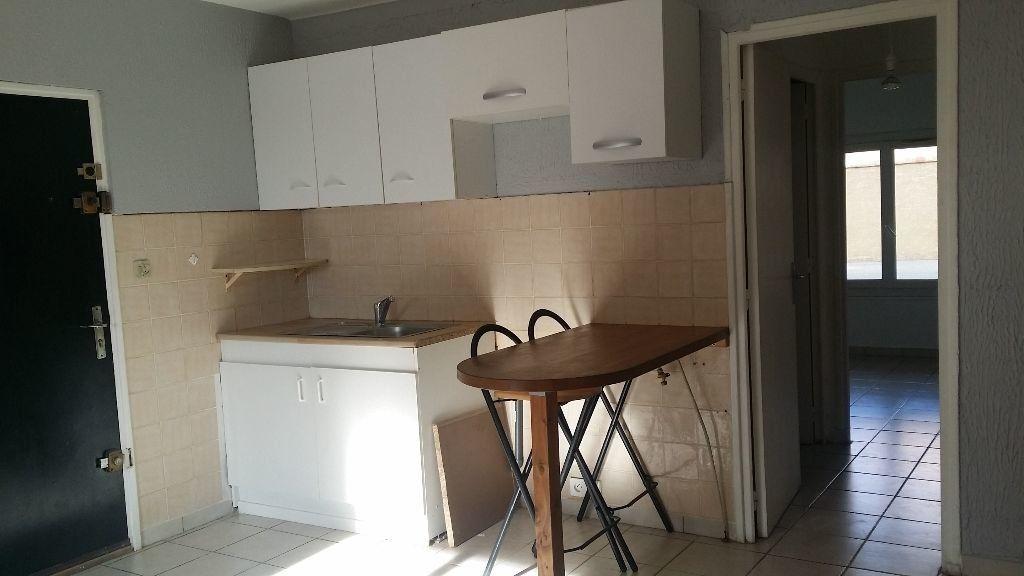Appartement à louer 2 34.2m2 à Istres vignette-1