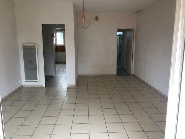 Appartement à louer 1 38.56m2 à Istres vignette-1