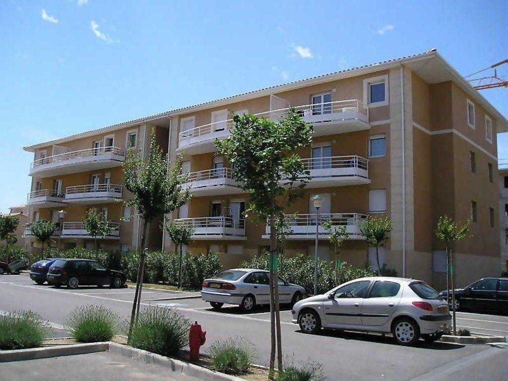 Appartement à louer 2 47.4m2 à Miramas vignette-3