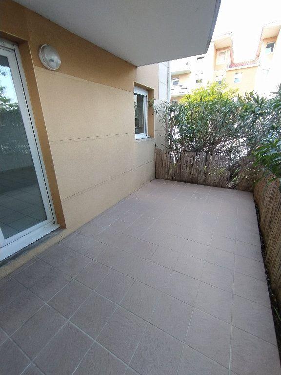 Appartement à louer 2 47.4m2 à Miramas vignette-5