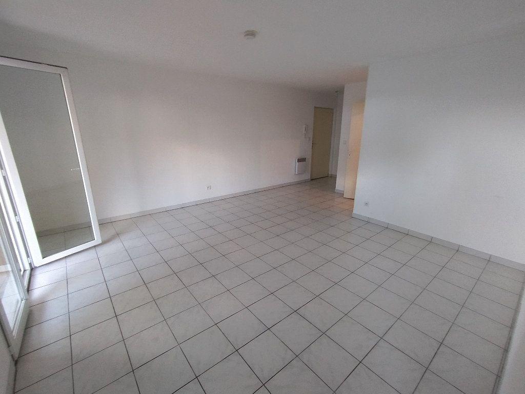 Appartement à louer 2 47.4m2 à Miramas vignette-7