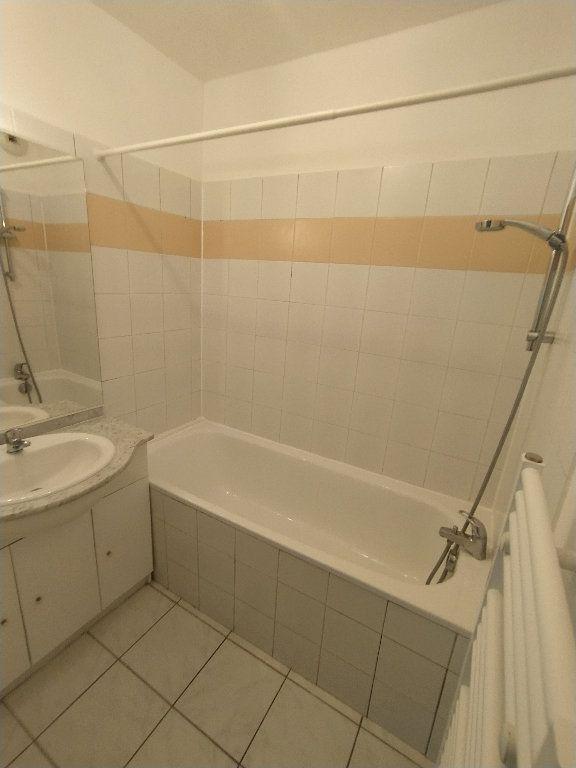 Appartement à louer 2 47.4m2 à Miramas vignette-8
