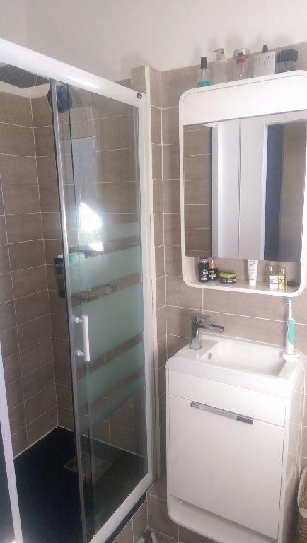 Appartement à louer 1 30.18m2 à Istres vignette-5