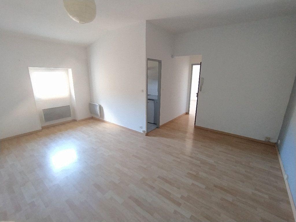 Appartement à louer 2 41.22m2 à Cavaillon vignette-1