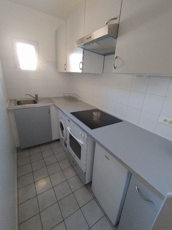 Appartement à louer 2 41.22m2 à Cavaillon vignette-3