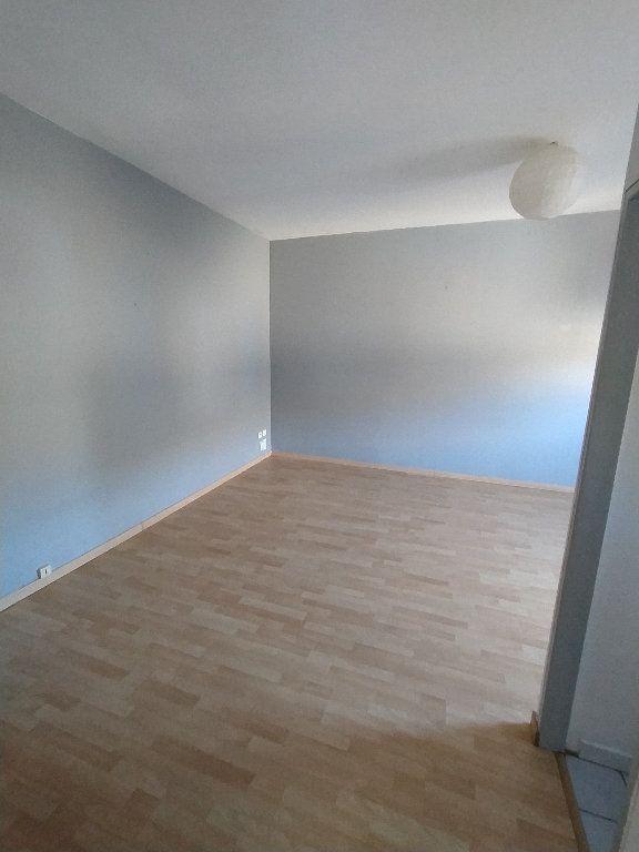 Appartement à louer 2 41.22m2 à Cavaillon vignette-4