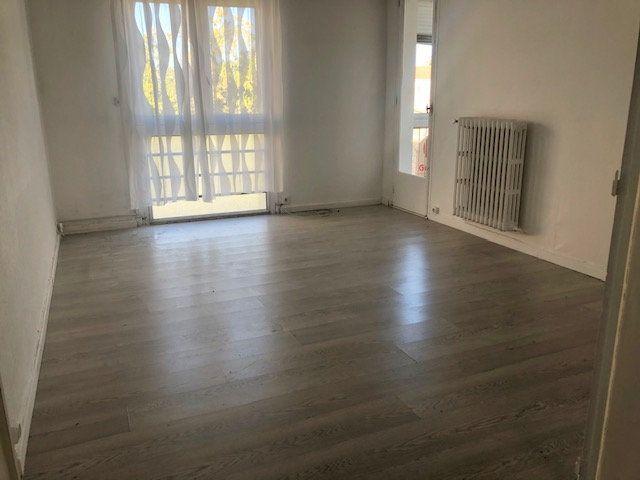 Appartement à louer 3 56.54m2 à Miramas vignette-1