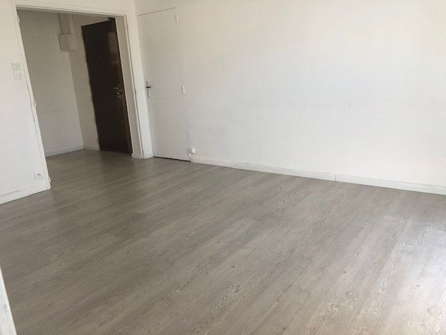 Appartement à louer 3 56.54m2 à Miramas vignette-2