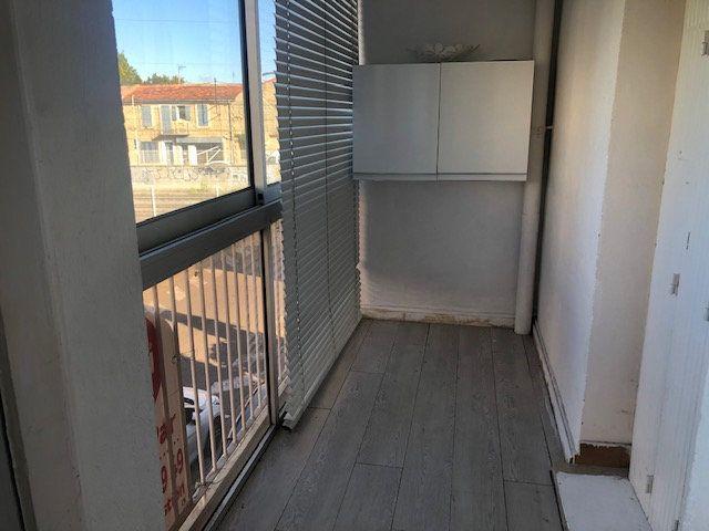 Appartement à louer 3 56.54m2 à Miramas vignette-3