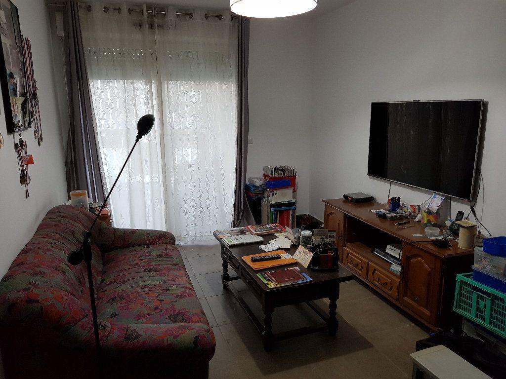 Appartement à vendre 2 49m2 à Salon-de-Provence vignette-3