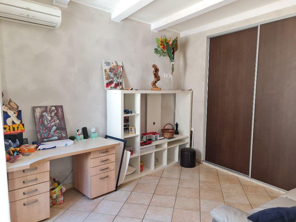 Appartement à vendre 5 60m2 à Istres vignette-5
