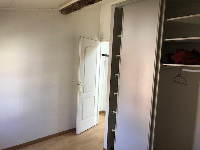 Appartement à louer 2 41.77m2 à Salon-de-Provence vignette-4