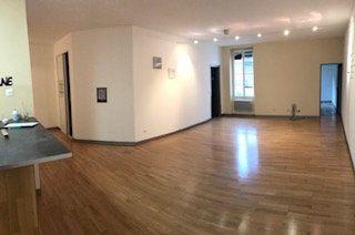 Appartement à louer 3 77.69m2 à Salon-de-Provence vignette-2