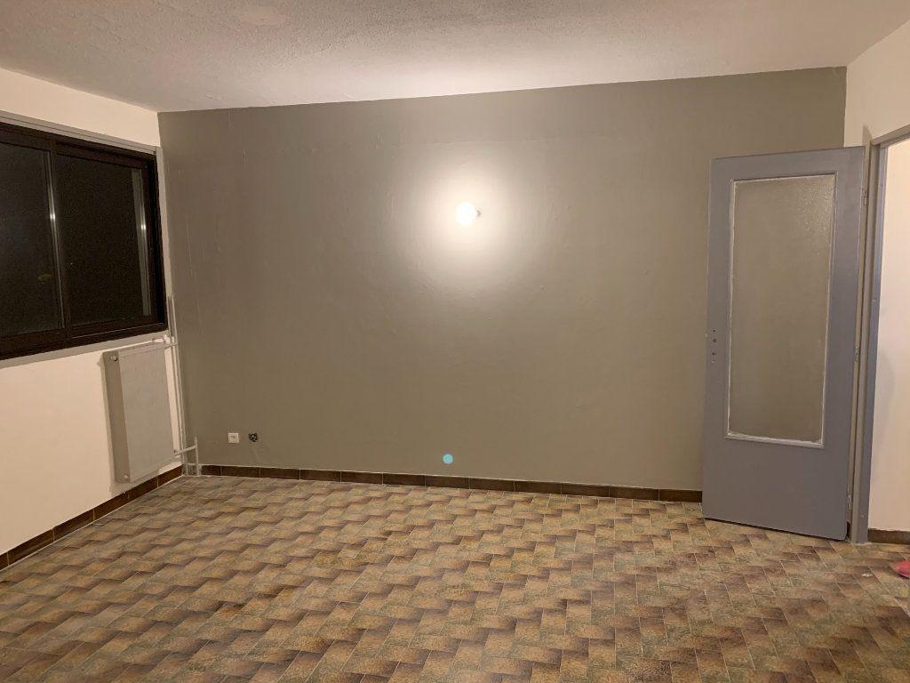 Appartement à vendre 2 38.07m2 à Saint-Martin-de-Crau vignette-1