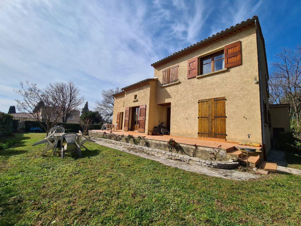 Maison à vendre 6 183m2 à Salon-de-Provence vignette-1