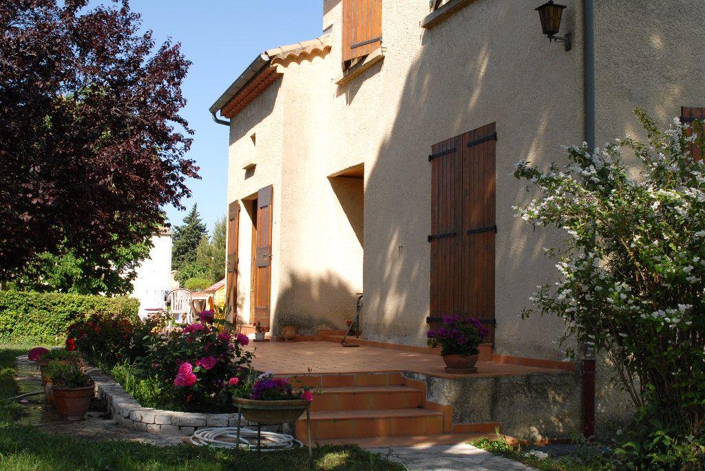 Maison à vendre 6 183m2 à Salon-de-Provence vignette-2