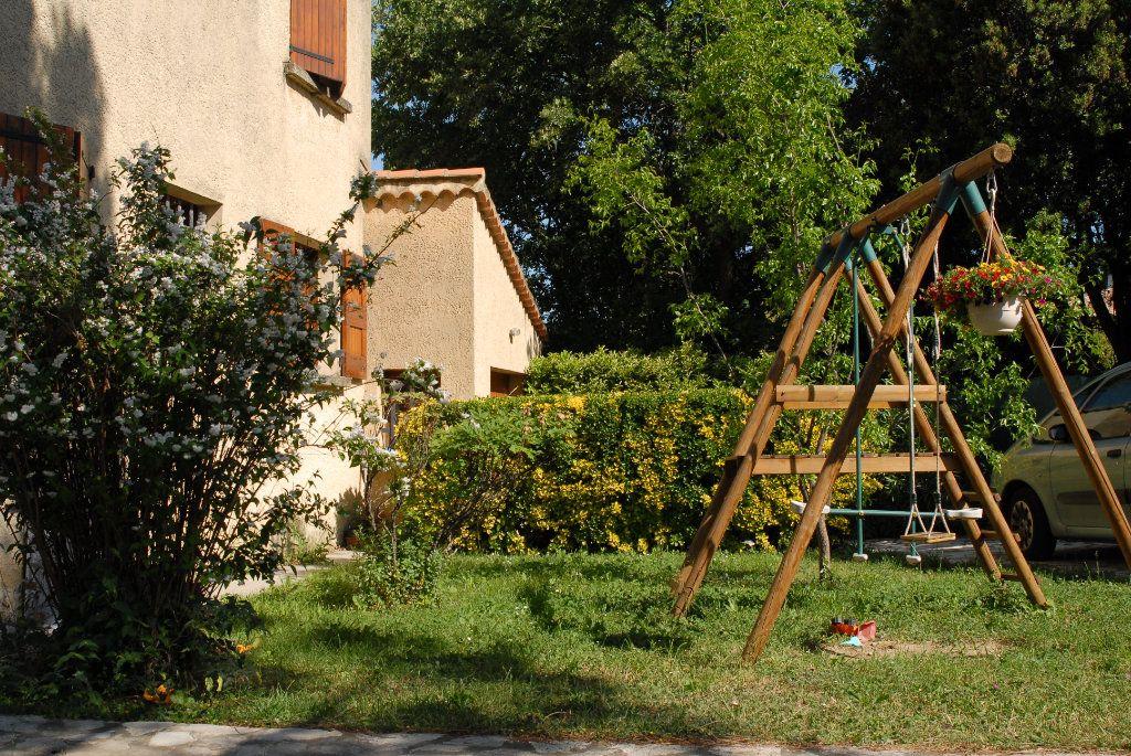 Maison à vendre 6 183m2 à Salon-de-Provence vignette-5