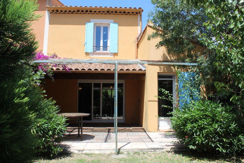 Maison à vendre 5 73.79m2 à Arles vignette-1