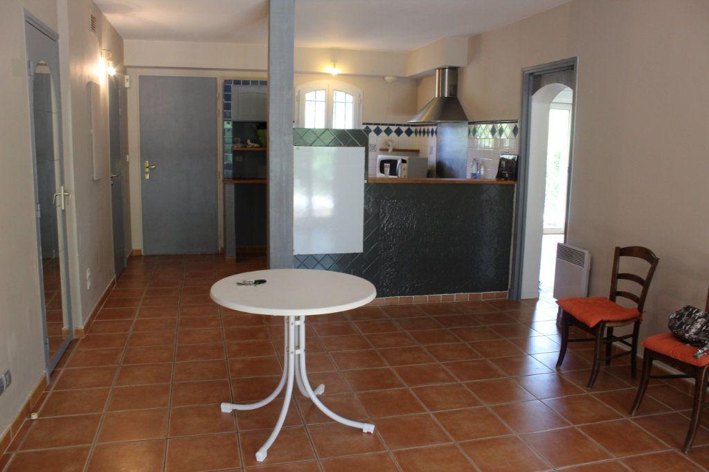Maison à vendre 5 73.79m2 à Arles vignette-3
