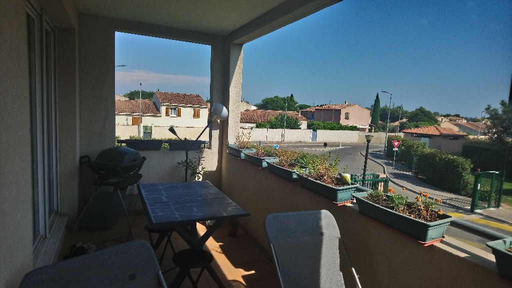 Appartement à louer 3 62.48m2 à Istres vignette-1