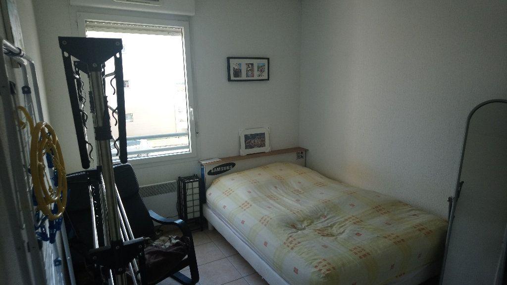 Appartement à louer 3 62.48m2 à Istres vignette-5