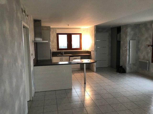 Appartement à louer 3 79.7m2 à Saint-Martin-de-Crau vignette-1