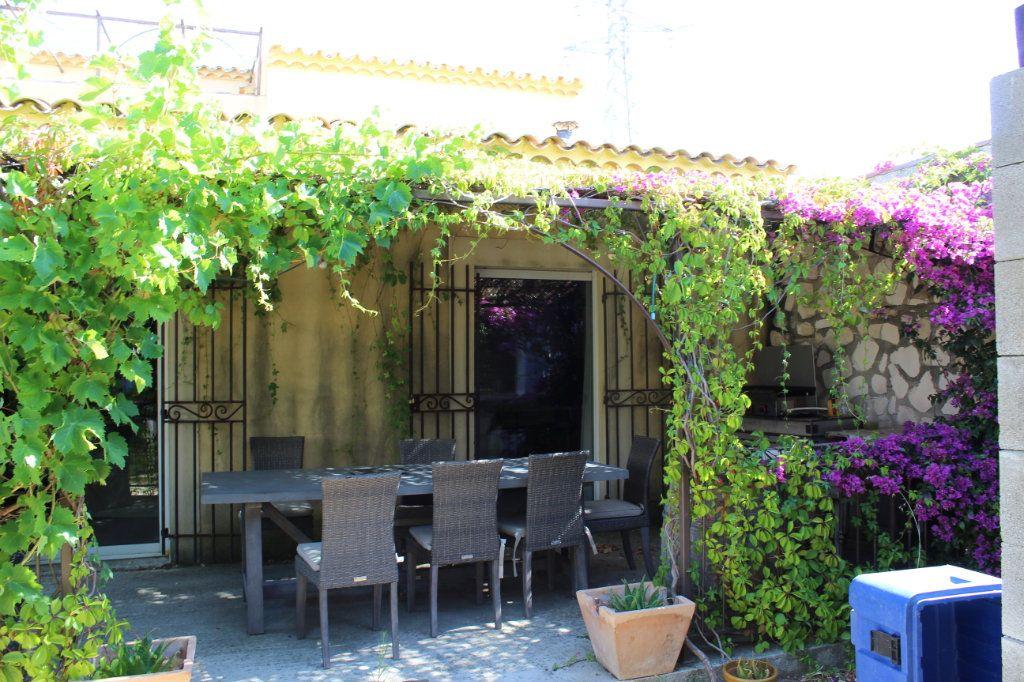 Maison à vendre 6 298m2 à Saint-Martin-de-Crau vignette-2