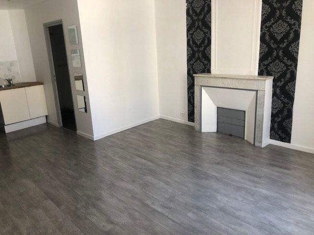 Appartement à louer 2 37.85m2 à Istres vignette-1