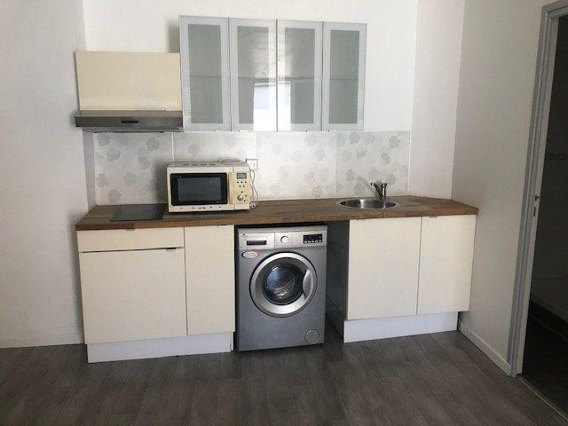 Appartement à louer 2 37.85m2 à Istres vignette-2