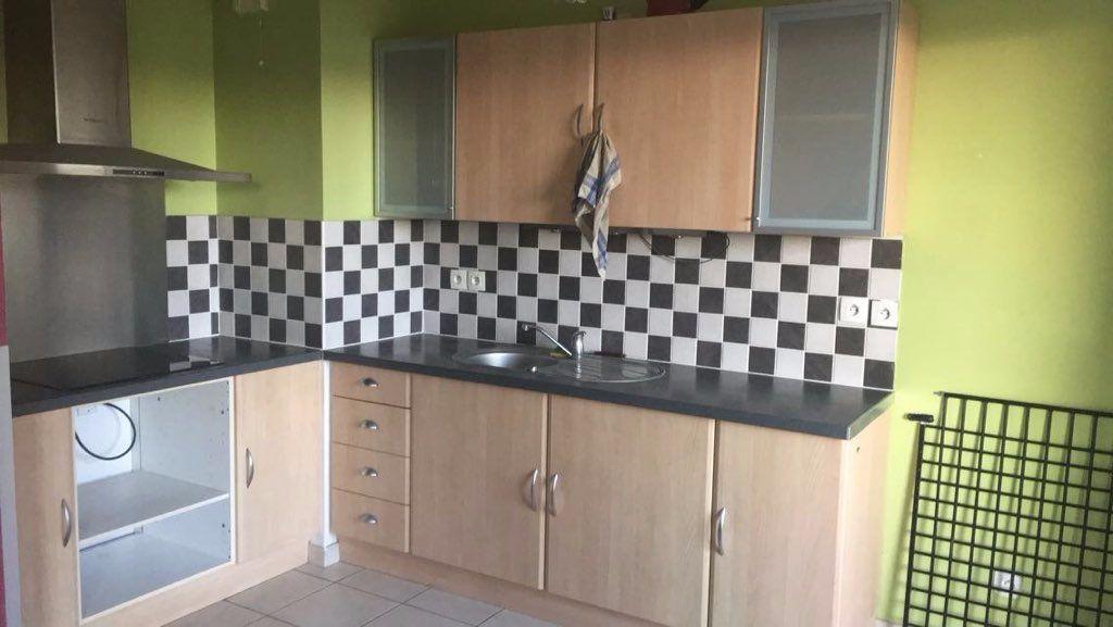 Appartement à vendre 3 62.76m2 à Istres vignette-2
