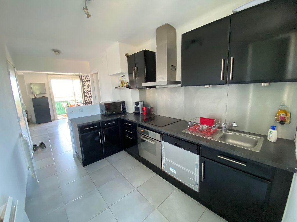 Appartement à vendre 3 67.85m2 à Istres vignette-3