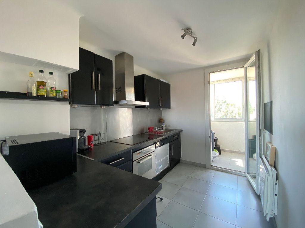 Appartement à vendre 3 67.85m2 à Istres vignette-8