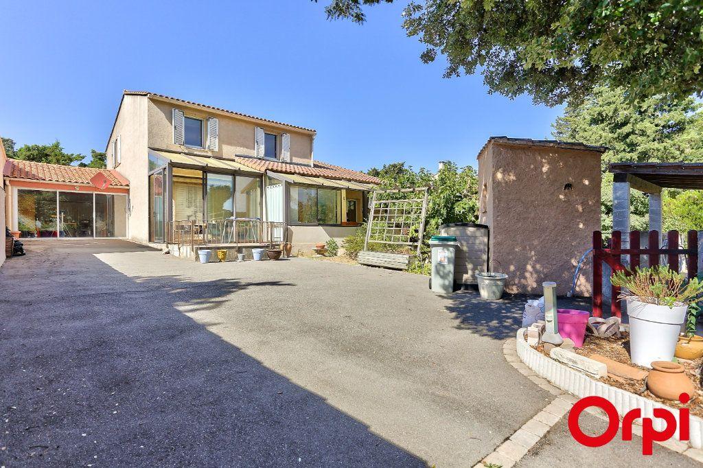Maison à vendre 5 140m2 à Châteauneuf-de-Gadagne vignette-1