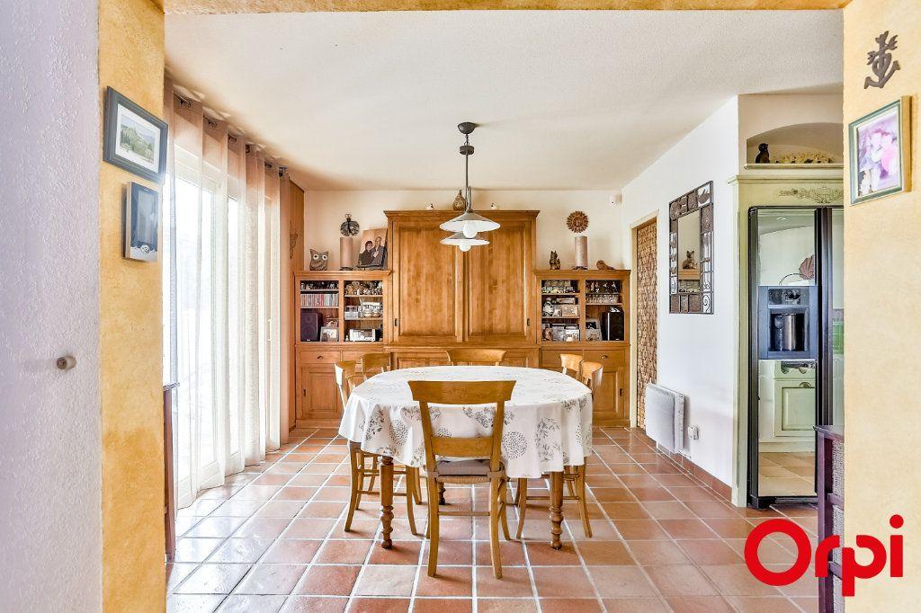 Maison à vendre 5 140m2 à Châteauneuf-de-Gadagne vignette-5