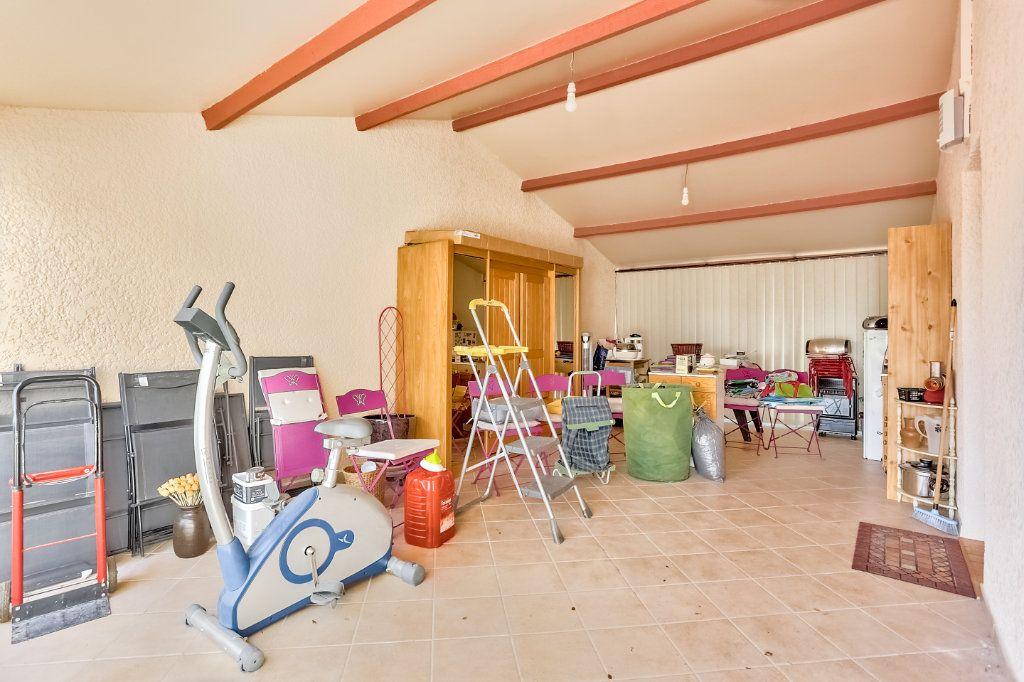Maison à vendre 5 140m2 à Châteauneuf-de-Gadagne vignette-10