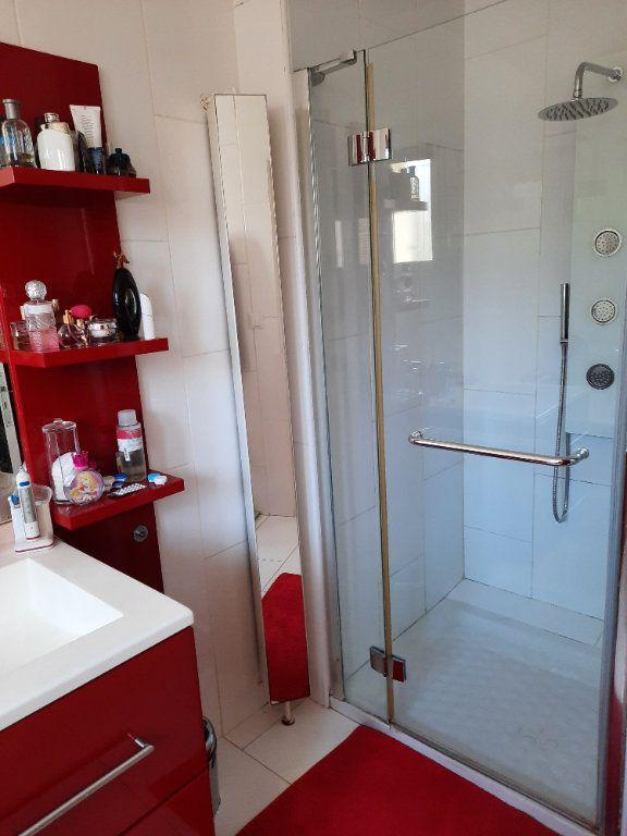 Maison à vendre 4 96.03m2 à Istres vignette-13