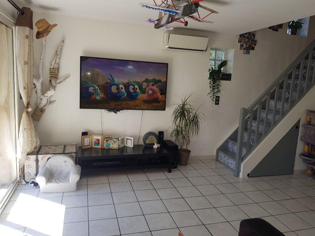 Maison à vendre 4 94.81m2 à Istres vignette-7