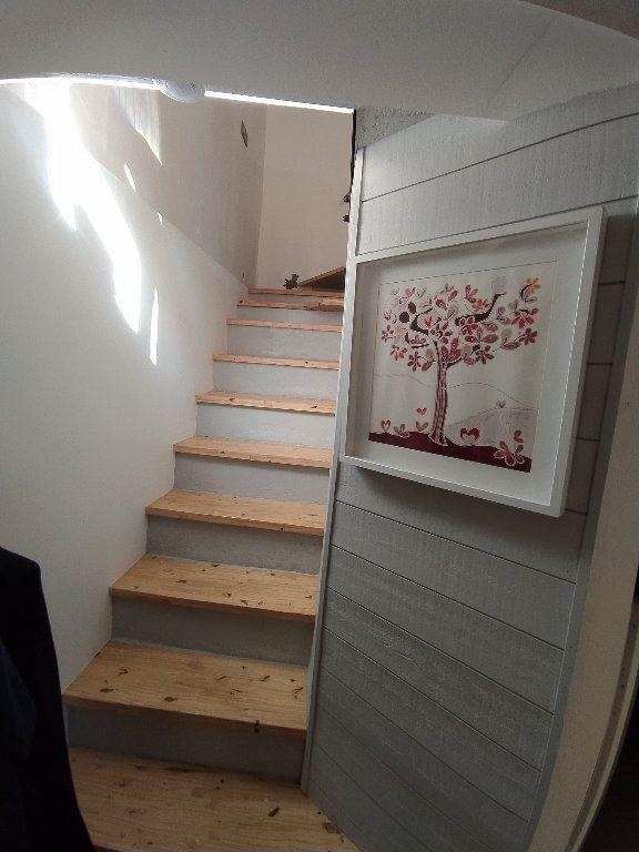 Maison à louer 3 61.36m2 à Miramas vignette-6