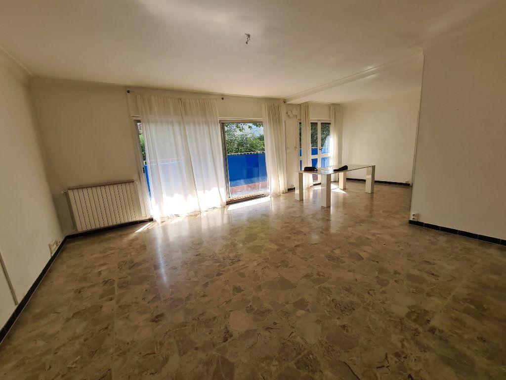Appartement à vendre 4 108m2 à Avignon vignette-2