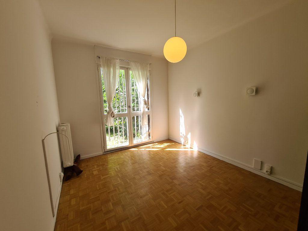 Appartement à vendre 4 108m2 à Avignon vignette-6