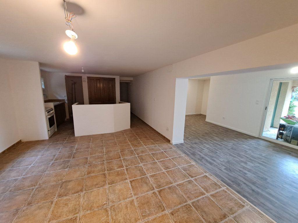 Appartement à vendre 4 90.25m2 à Pélissanne vignette-3