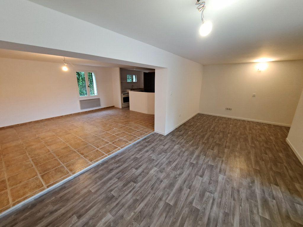 Appartement à vendre 4 90.25m2 à Pélissanne vignette-4