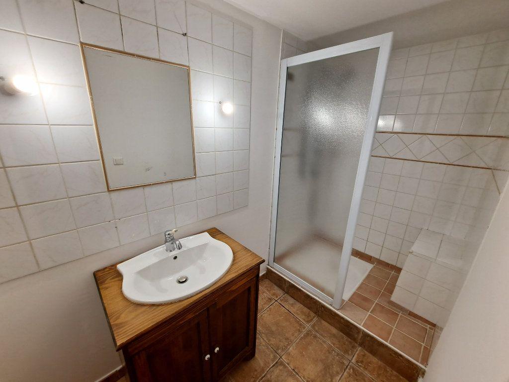 Appartement à vendre 4 90.25m2 à Pélissanne vignette-8