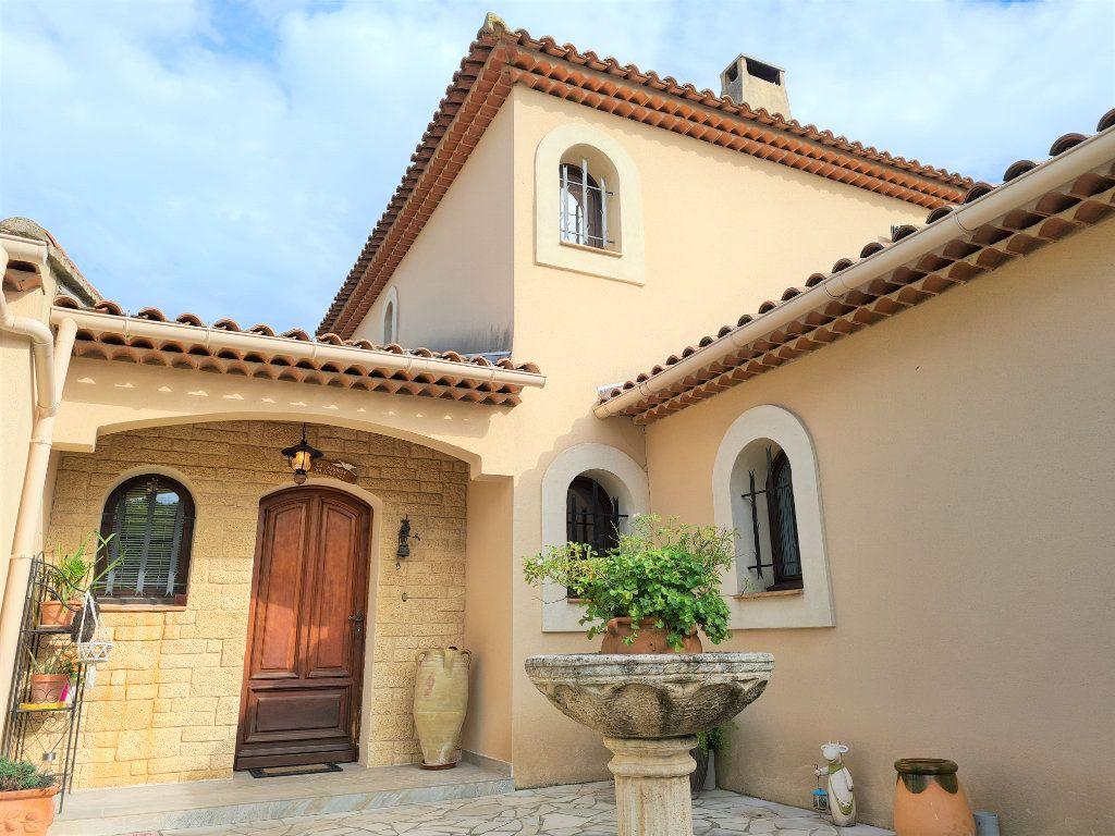 Maison à vendre 6 180m2 à Aurons vignette-1