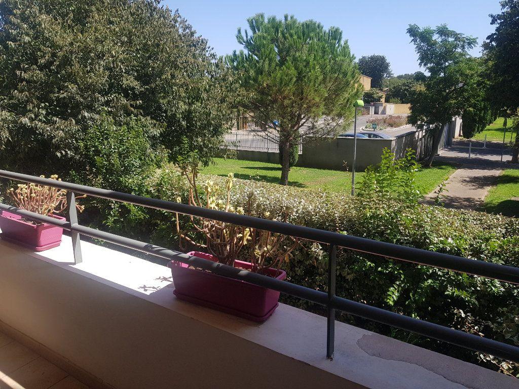 Appartement à louer 3 52.07m2 à Istres vignette-2