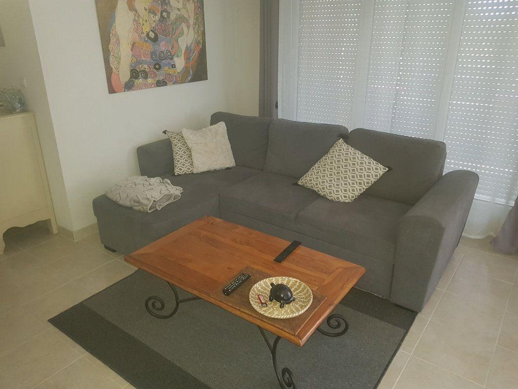 Appartement à louer 3 52.07m2 à Istres vignette-3