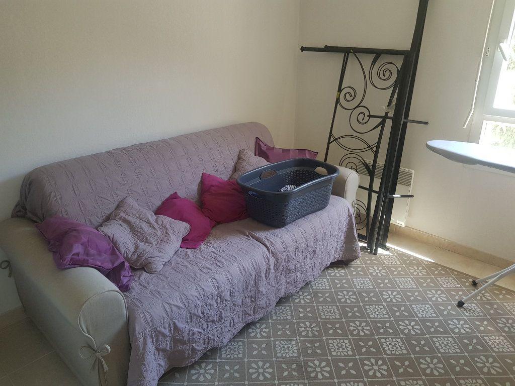 Appartement à louer 3 52.07m2 à Istres vignette-6
