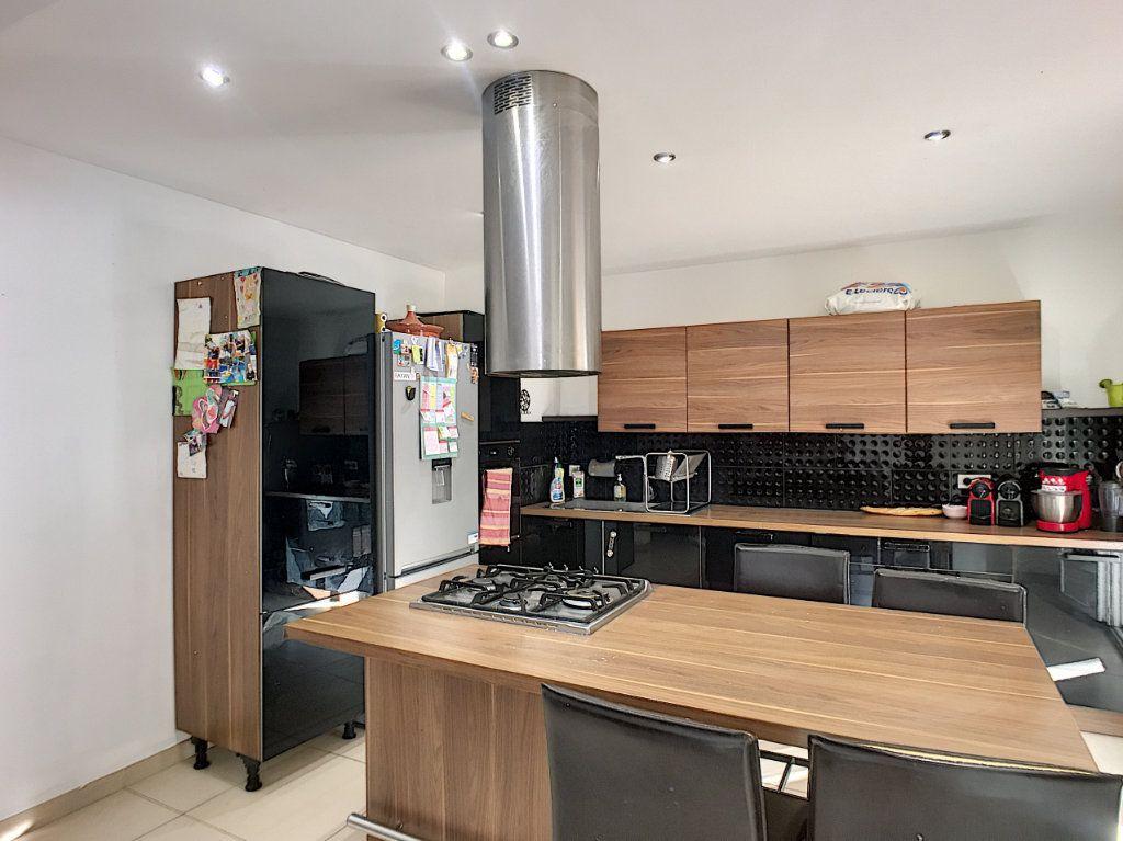 Maison à vendre 5 138.9m2 à Avignon vignette-3