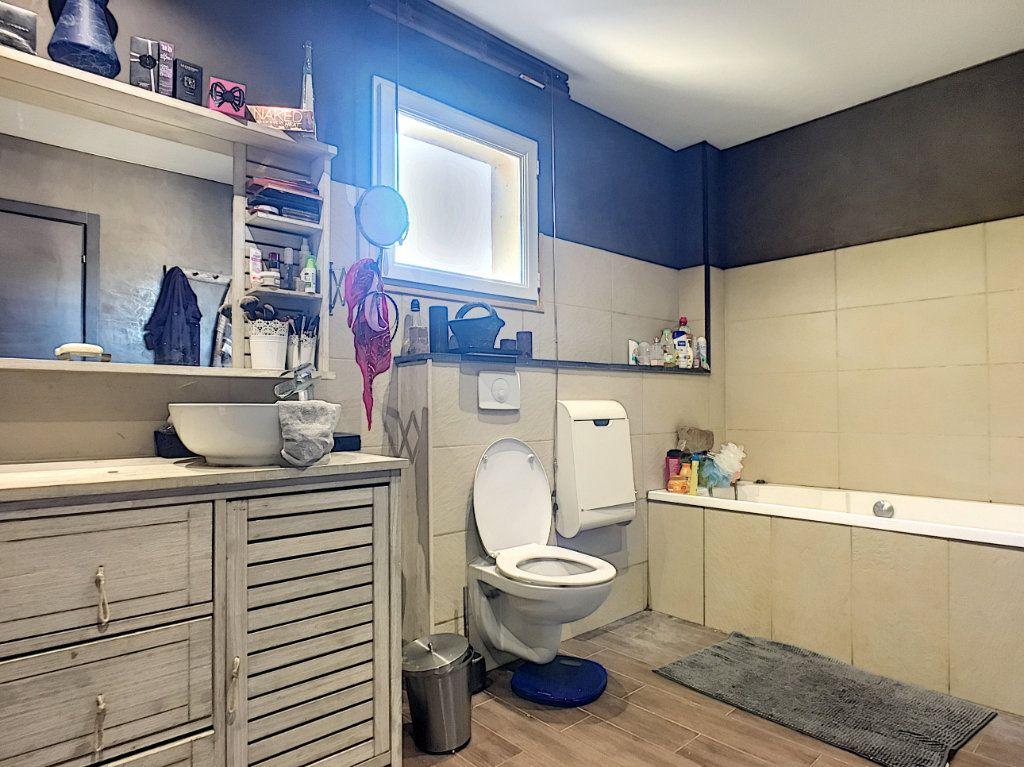 Maison à vendre 5 138.9m2 à Avignon vignette-5